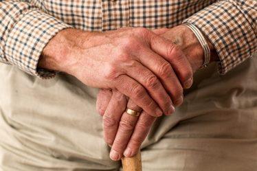 Vpřípadě, že by se jednalo o osaměle žijícího důchodce, pak jeho životní minimum 3860 Kč.