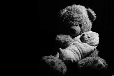 V souvislosti s porodem a následnou péčí o dítě, má matka dítěte nárok až 2 roky na výživné. To může požadovat po otci dítěte.